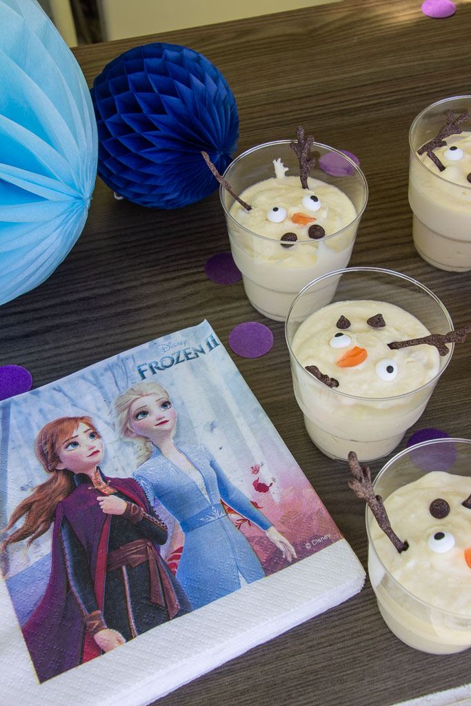 Frost fødselsdagsservietter og Olaf chokolademousse